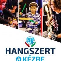hangszert-a-kc3a9zbe-plakc3a1t